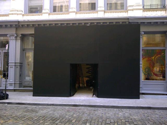 Image of tiffany so ho black  hoarding