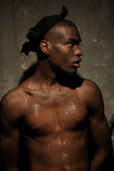 Siki Im Show male model with an invisible tanktop